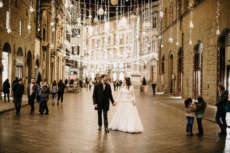 Sposi per le strade di Firenze a Natale