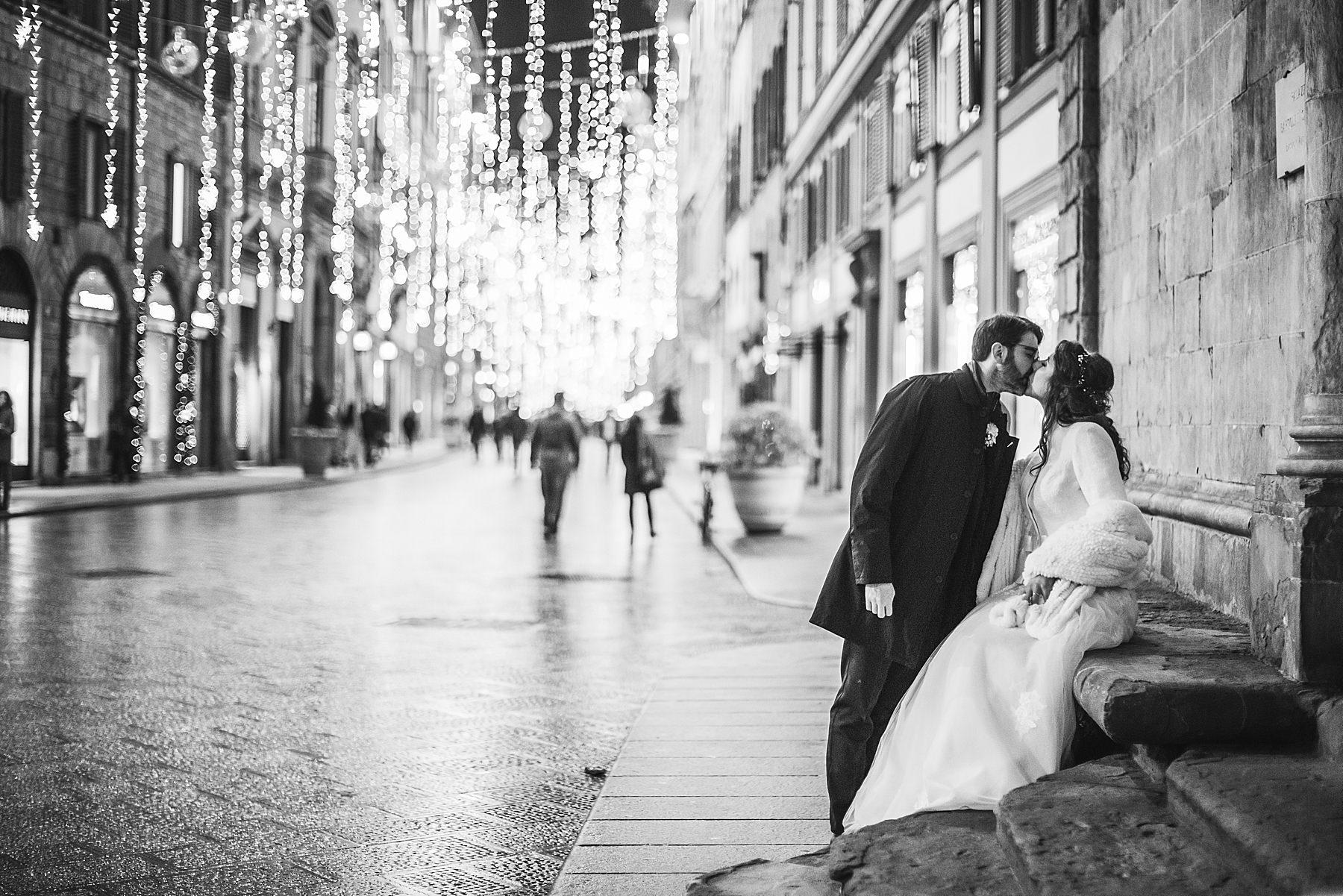 Matrimonio a Palazzo Vecchio e Palazzo Borghese sposi in centro a Firenze a Natale
