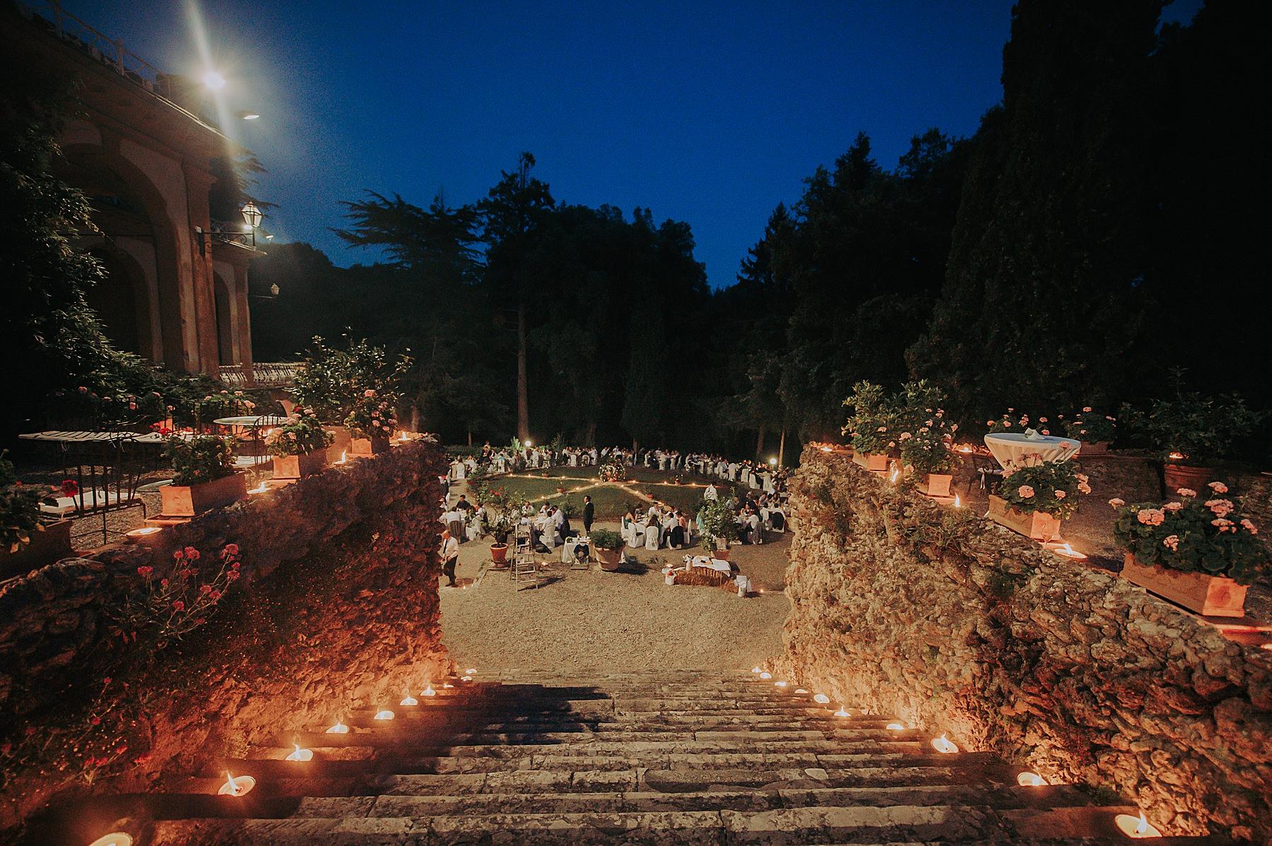 Matrimonio a Villa di Striano in Mugello foto sera catering
