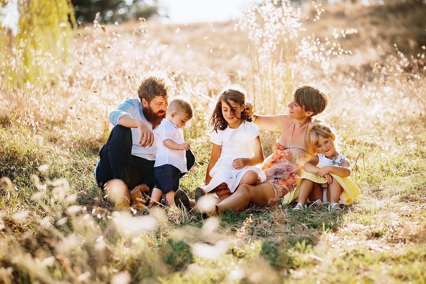 Servizio fotografico di famiglia nel Mugello dolci momenti