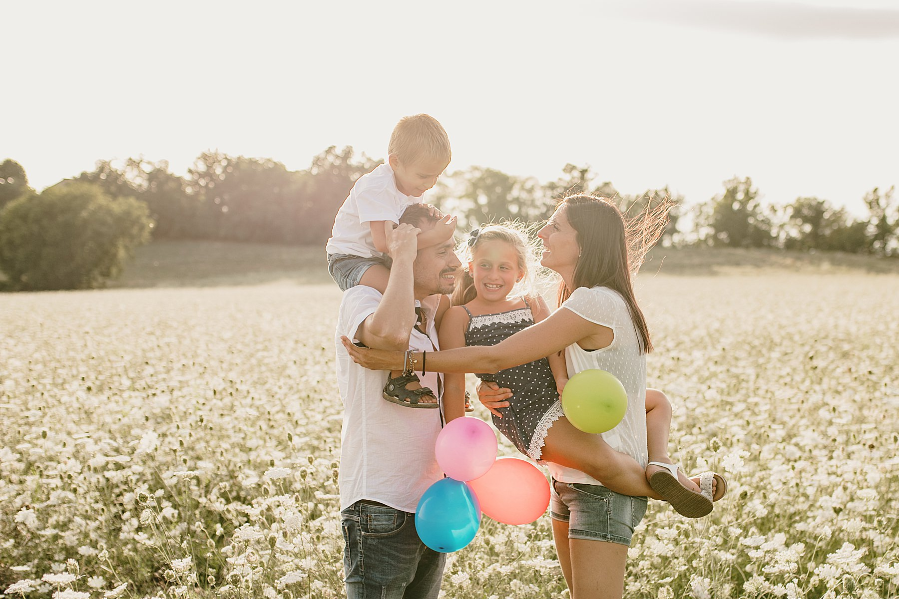 Servizio fotografico di famiglia nel Mugello all'aperto